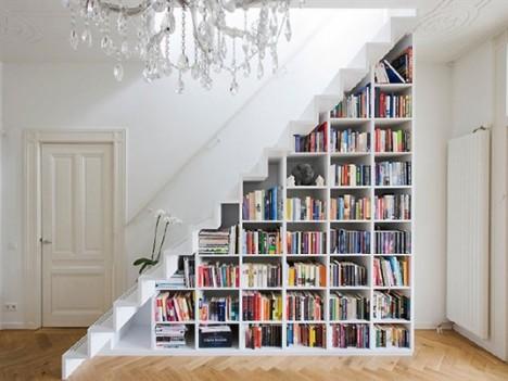 Staircase-bookshelf